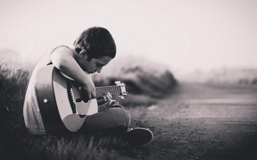 Tocar Músicas Fáceis e1531671627950 - Músicas Fáceis Para Teclado: Aprenda a Simplificar Cifras Difíceis Para Tocar Como Iniciante