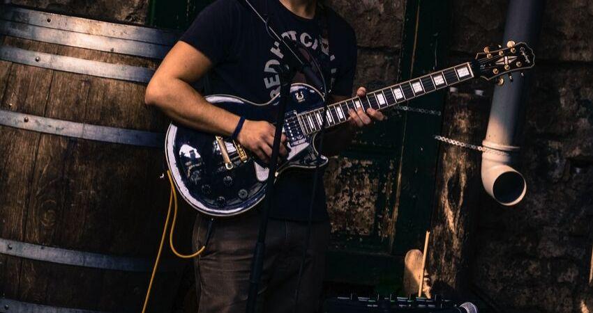 Conteúdos que você vai aprender nas aulas de guitarra