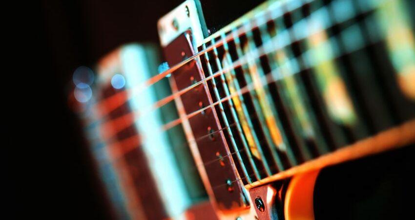 Dados sobre o curso acesso e formato - MB Guitar Academy Essencial: Curso de Guitarra do Marcelo Barbosa Online