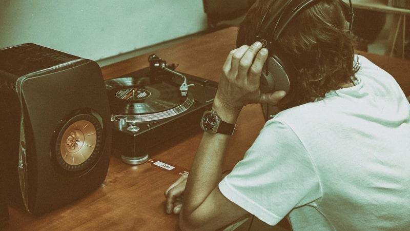 Como treinar o ouvido na música