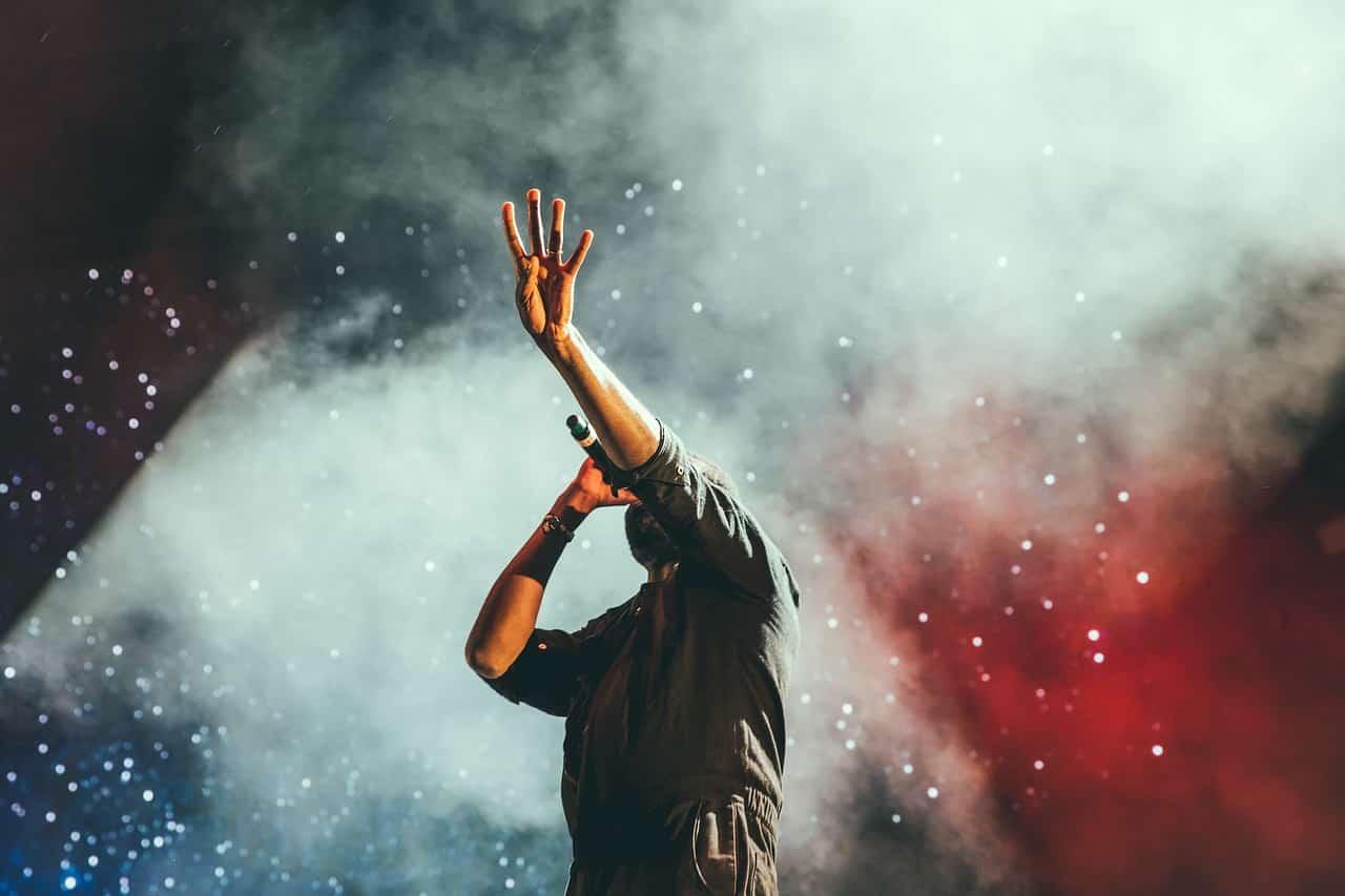 O melhor treinamento de canto online do Brasil - Qual o Melhor Curso de Canto Online Completo? Veja a avaliação!