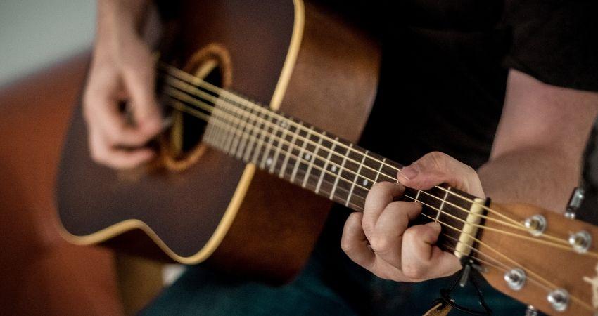 Testar para qual violão comprar para iniciante