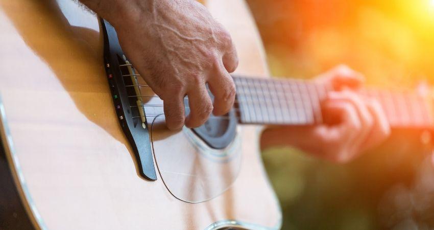 tamanho do violão ideal para iniciantes