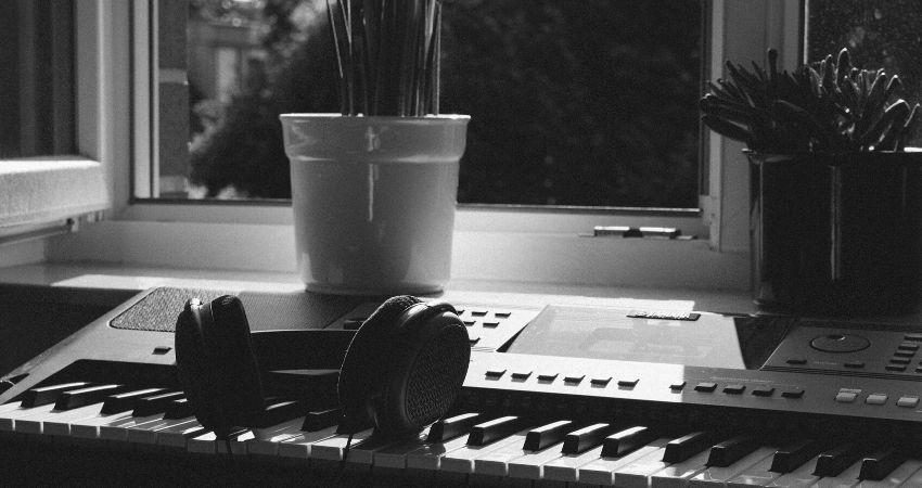 Entenda sobre os teclados arranjadores - O que é um Teclado Arranjador? Aprenda a Identificar