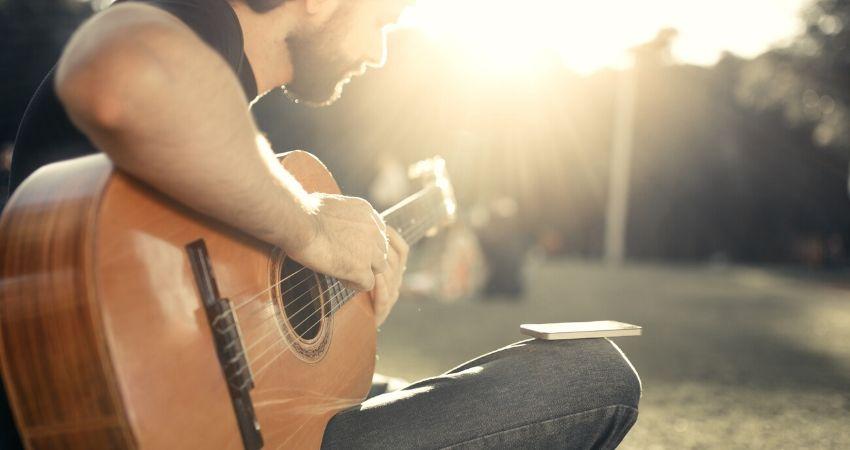 Benefícios do curso de violão Rafael Alves