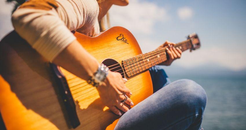 Tríades Menores: Aprender a montar qualquer acorde menor fácil